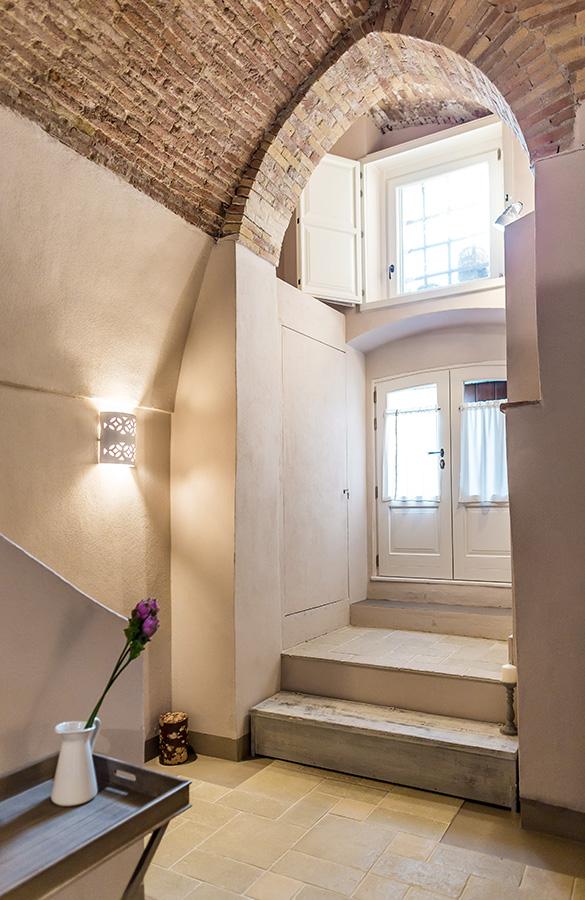Borgo San Gaetano: apartment detail Arco