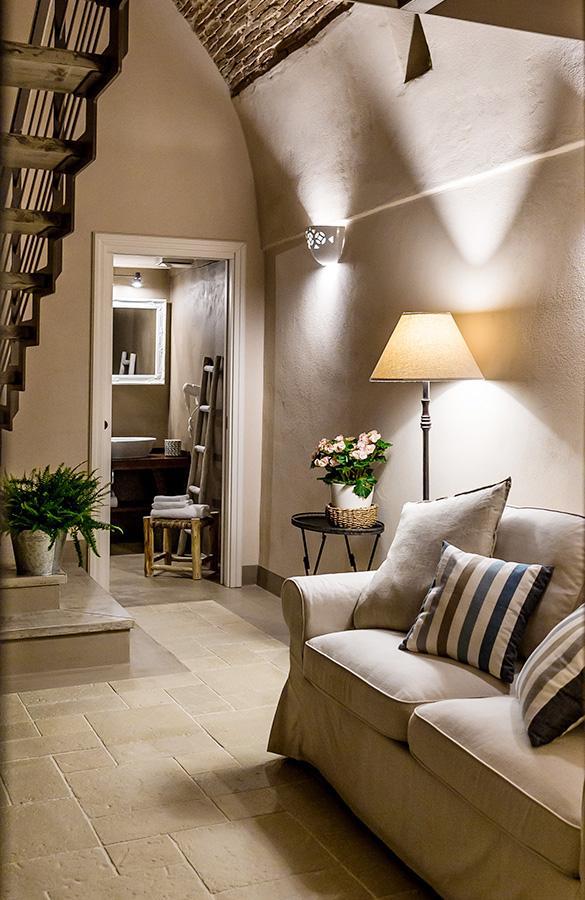 Borgo San Gaetano: apartment detail sofa